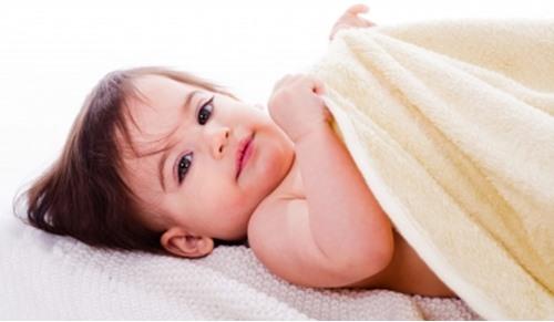 O que fazer quando o rabinho do bebé está muito irritado