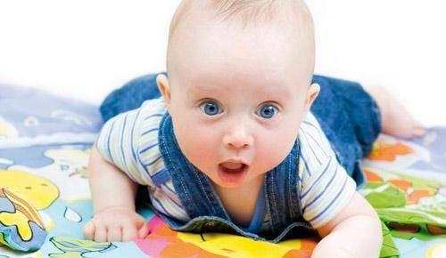 O que fazer se meu filho engoliu um berlinde?