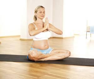 secciones salud embarazo Esta disciplina, que ayuda al autoconocimiento del cuerpo, favorece un buen embarazo al fortalecer los vínculos que se establecen con el bebé, relajar los músculos, aliviar las molestias y dolores propios del embarazo y el parto, elevar el umbral del dolor