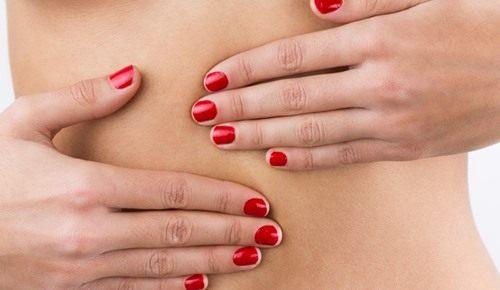Atraso menstrual e fluxo marrão