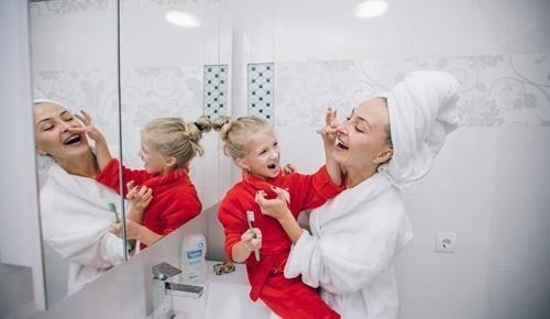 Escovar os dentes das crianças: começar cedo e bem!