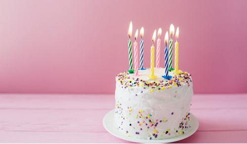 Que bolo de aniversário pode comer um bebé no seu primeiro ano?