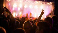Uma mulher grávida pode ir a um concerto?