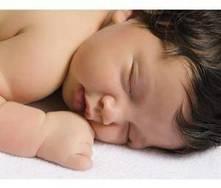 O que fazer quando o bebé cair da cama?