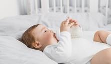 Dicas para que o bebé suge bem com biberão