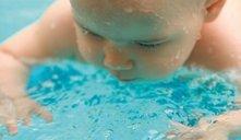Natação para bebés, conheça todos os benefícios!
