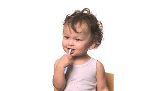 Higiene bucal: cuidados a ter com os dentes de leite!