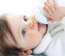 Biberão: aprenda a preparar o leite do bebé!