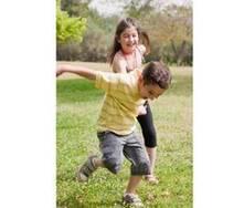 Aprenda a fotografar as crianças enquanto brincam