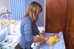 Cuiados a ter com um recém-nascido videos en TodoPapás